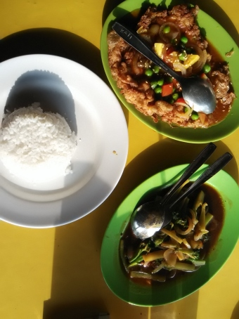 Fuyung Hay + Brokoli Saus Tiram