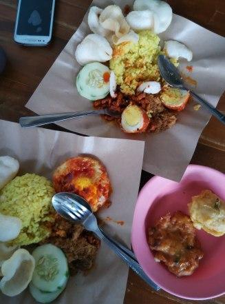 Nasi Kuning Bu Tuti